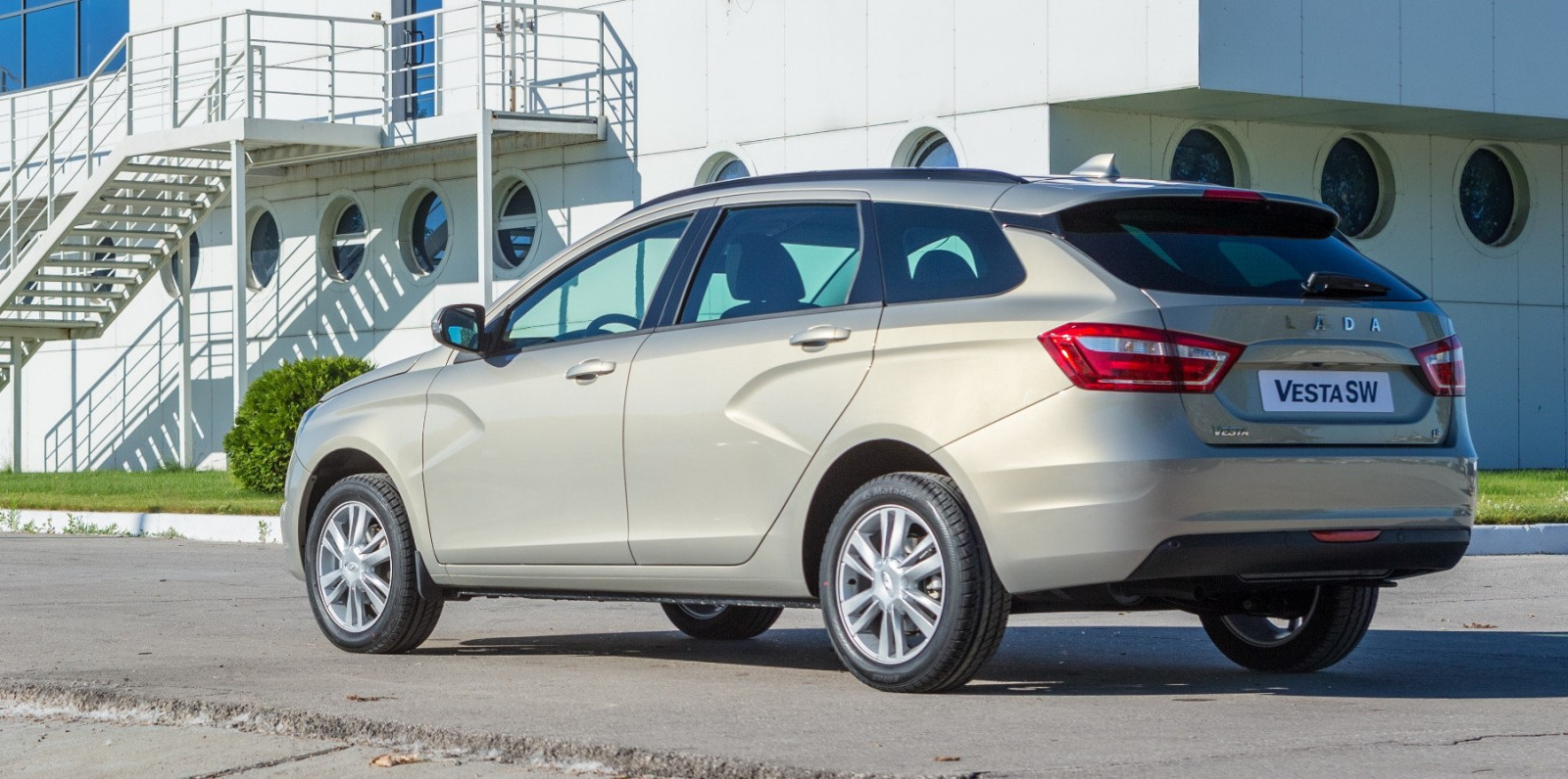 Отзывы владельца о новой Lada Vesta SW (2018)